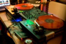 turntables1