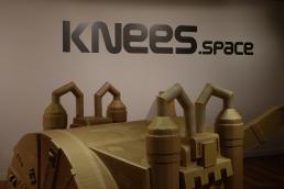 knees-space-1